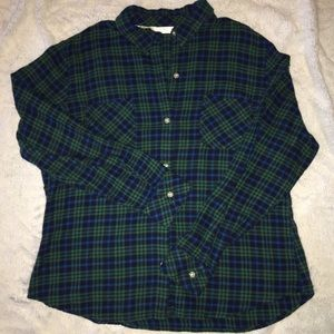 Women's flannel long sleeve button down